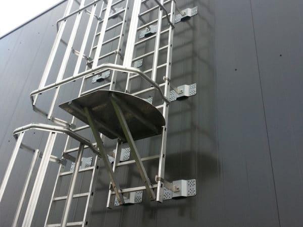 Escaleras industriales con tramos intercalados - Normativas