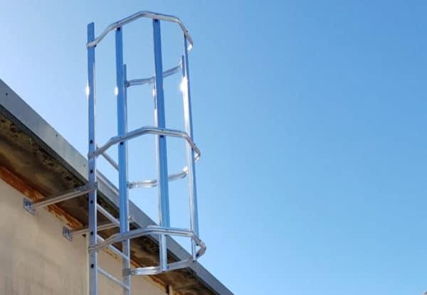 Fijaciones de escaleras metalicas industriales ejemplo